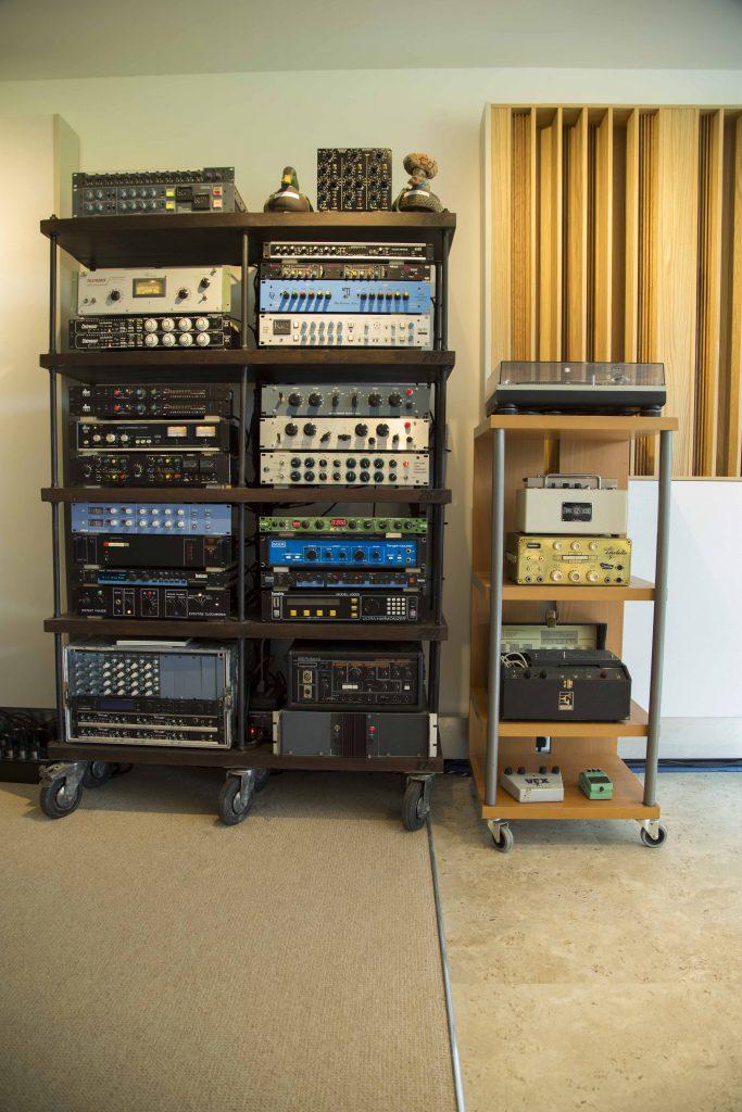 Cenzo Control Room Rack 17